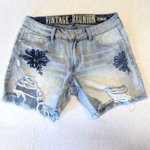 Rewash Vintage Reunion distressed shorts